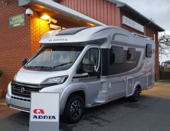 SOLD Adria Silver Collection Matrix M 670 SL