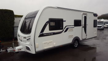 SOLD Coachman Pastiche 525/4 (2014)