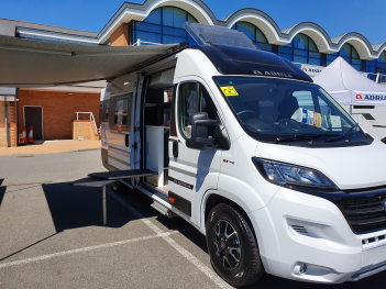 Adria Twin Supreme 640 SGX (2020)
