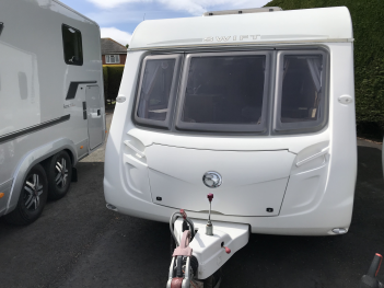 SOLD SWIFT CHARISMA 620