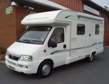 SOLD Bessacarr E450 (2006)