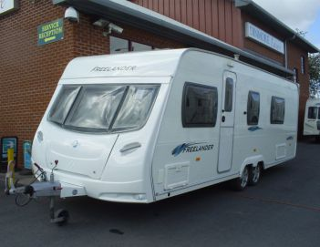 SOLD Lunar Freelander 640 RS (2008)