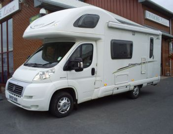 SOLD Swift Lifestyle 590 RS (2007)