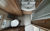 Swift Challenger 480  washroom